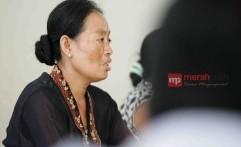 Sutini dalam Aksi Semen Kaki di Jakarta