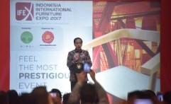 Kursi Rotan di Pameran Furniture Ini Bikin Jokowi Kagum