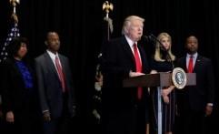 """Drama """"Pertarungan"""" Trump dan Hillary Bakal Dibuat Miniseri"""
