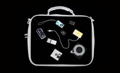 Larangan Bawa Laptop dan Ponsel ke Kabin Pesawat Hoax